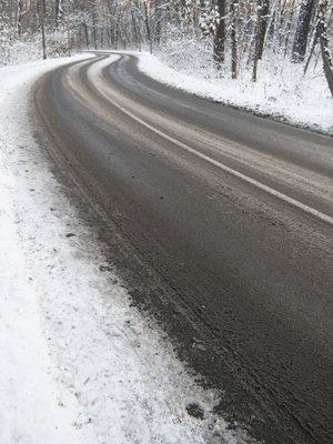 How Drivers Can Identify Black Ice